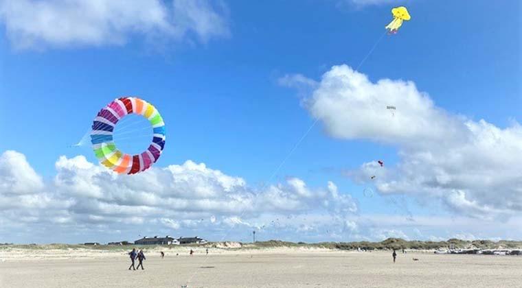 Das Beste am Wind: Man kann seinen Drachen steigen lassen!