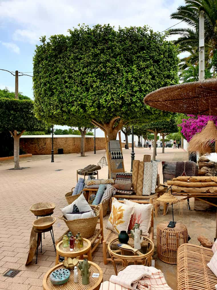Shopping in Santa Getrudis Ibiza