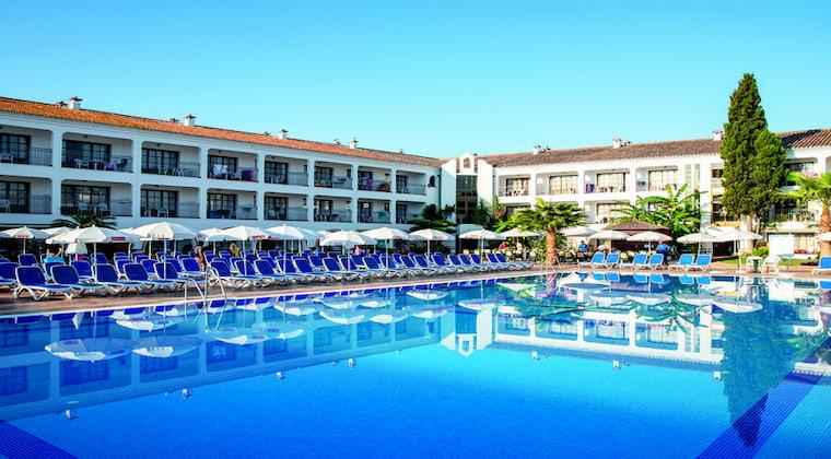 Poolbereich im TUI SUNEO Cortijo Blanco