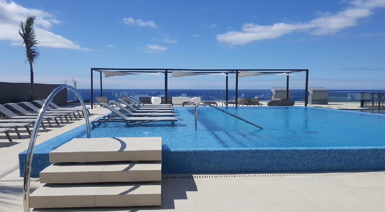 Infinitypool vom Galo Resort Galomar