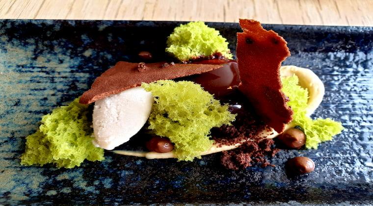 Dessert im Katagi Blau