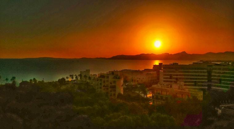 Sonnenuntergang vom Katagi Blau