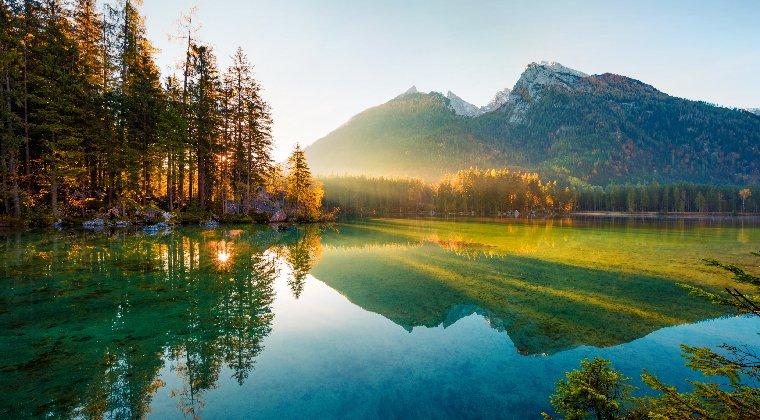 Der Hintersee bayerische alpen mittelgebirge deutschland