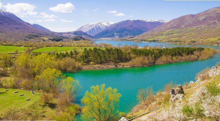 Lago di Barrea im Nationalpark Abruzzen