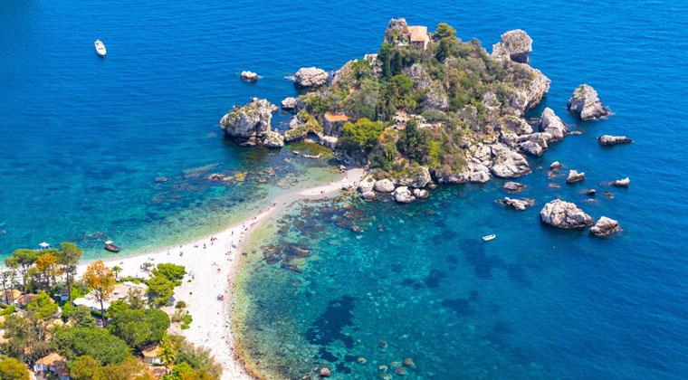 Blick auf Isola Bella auf Sizilien