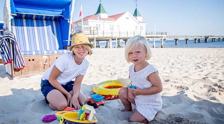 Familie am Strand in Ahlbeck