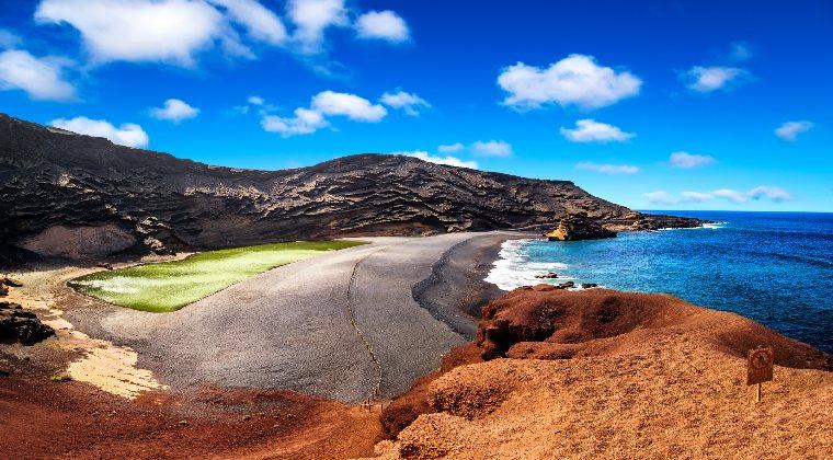 Kanaren Lanzarote Vulkankrater bei El Golfo