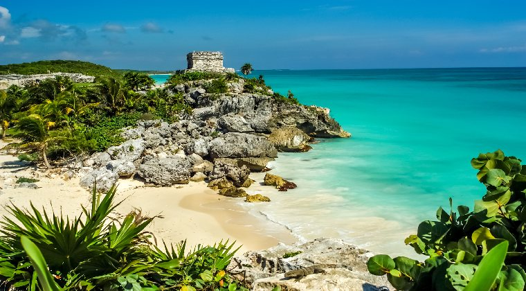 Mexiko Yucatan Tempel am Strand in Tulum