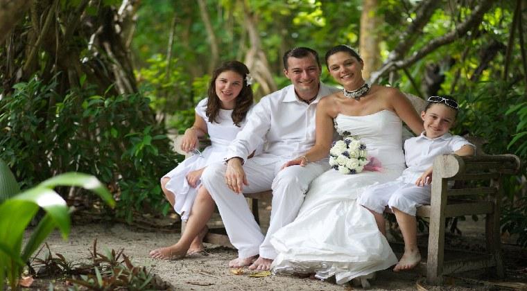 Heiraten auf den ;alediven Katherina mit Familie