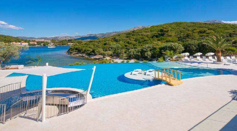 Hotel Port 9 Pool Kroatien