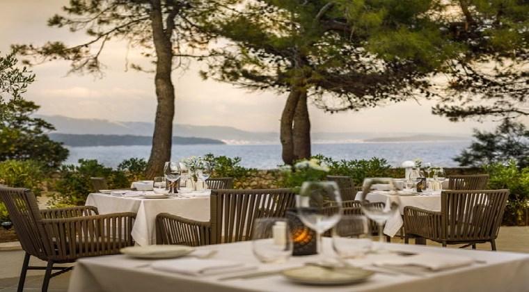 Inseln Kroatien Valamar Carolin Hotel Terrasse