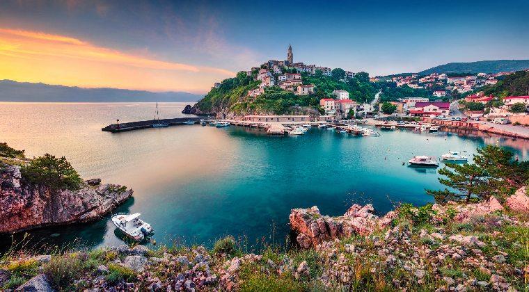 Kroatien Inseln Stadt Vrbnik Insel Krk