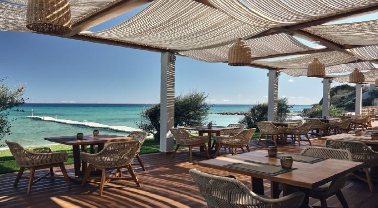 Almyra Beach Bar vom Lesante Blu Exclusive Beach Resort