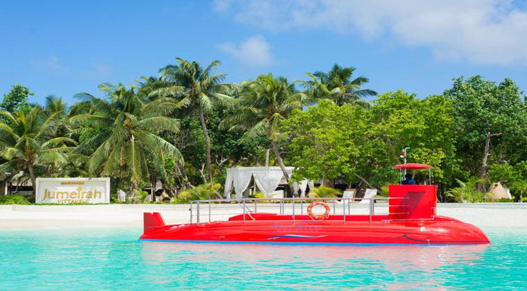Hotel Ozen Reserve Bolifushi Boot auf Wasser