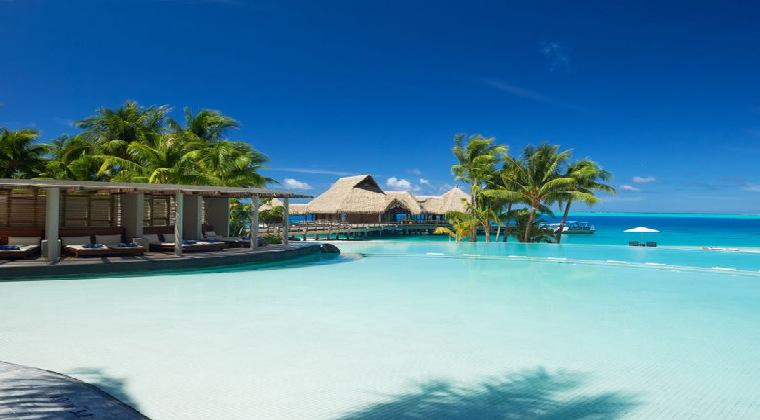 Conrad Bora Bora Nui Resort & Spa Infinitypool