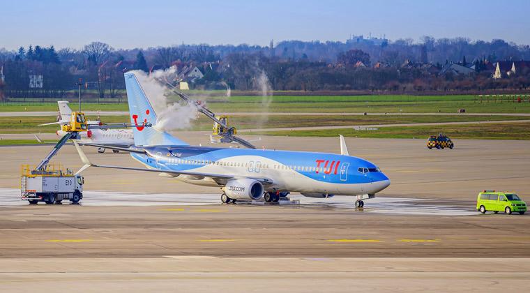 Flugzeugenteisung TUI fly Hannover