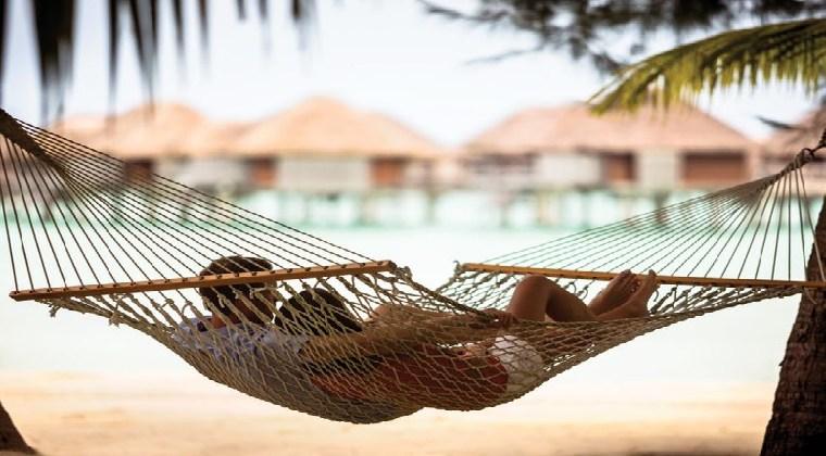 Paar in Hängematte Four Seasons Resort Bora Bora