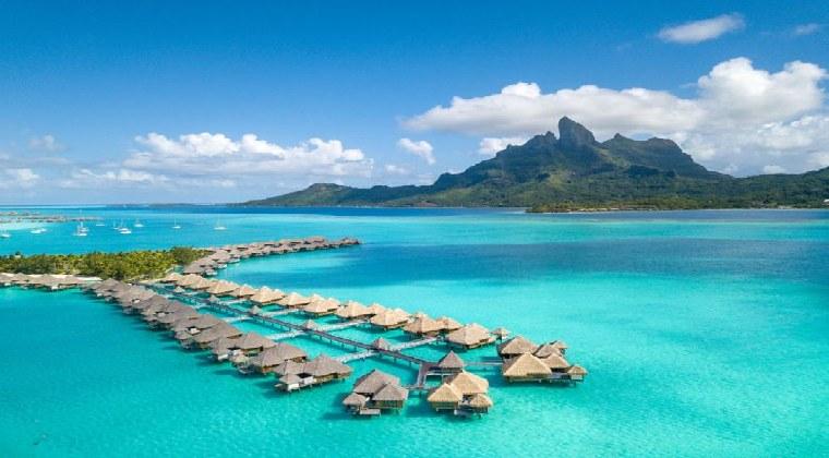 The St, Regis Bora Bora Resort Wasserbungalows