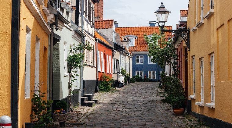 Dänemark romanische Gasse in Aalborg