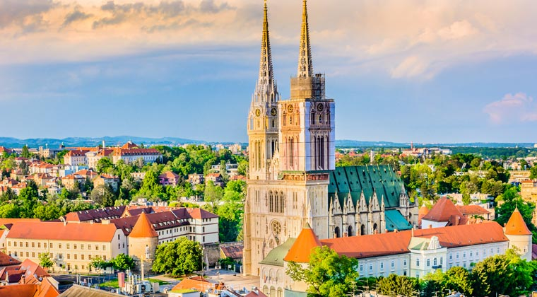 Kroatien Hauptstadt Zagreb mit der Kathedrale