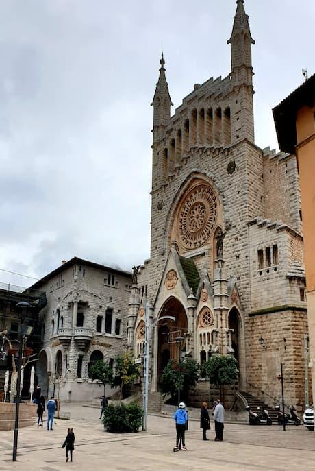 Die Kirche in Soller