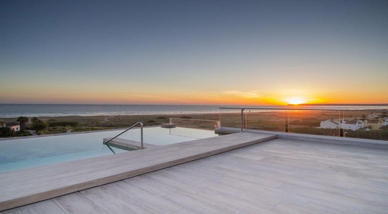TU Blue Zahara Beach Sonnenuntergang Infinitypool