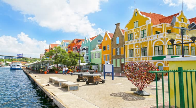 Curacao Sehenswürdigkeiten bunte Häuser Willemstad