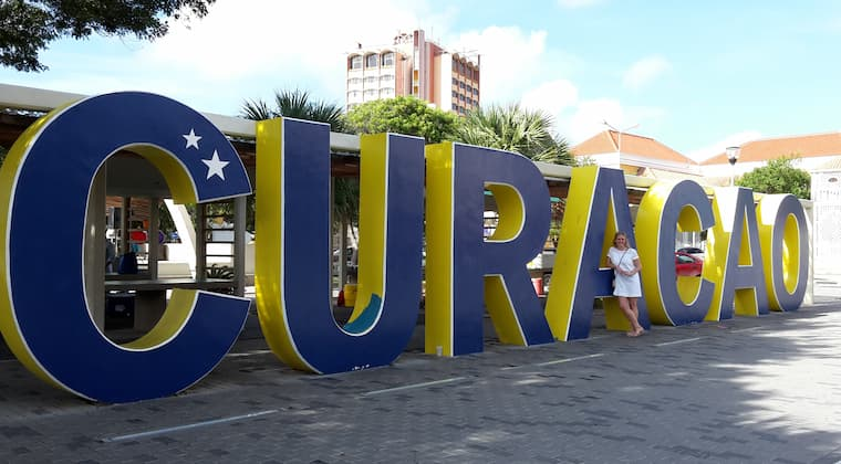 Curacao Letters Janine