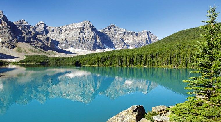 Kanada Banff wunderschöner See mit klarem Wasser