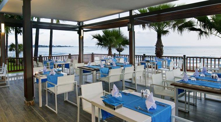 hotel acanthus cennet barut collection in der türkei restaurant mit blick aufs meer