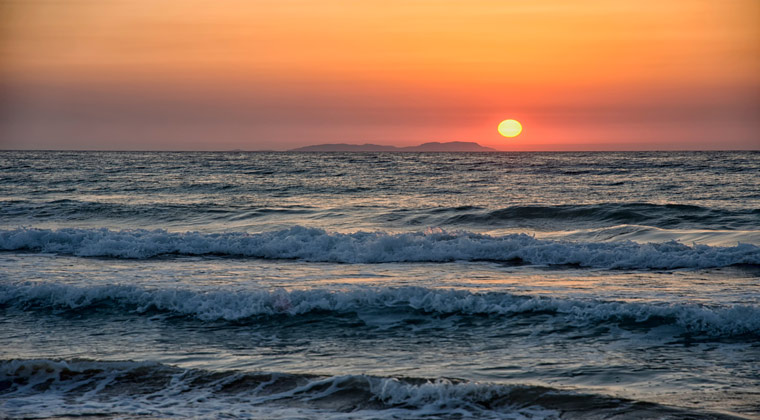 Insel Korfu wunderschöner Sonnenuntergang am Almiros Beach