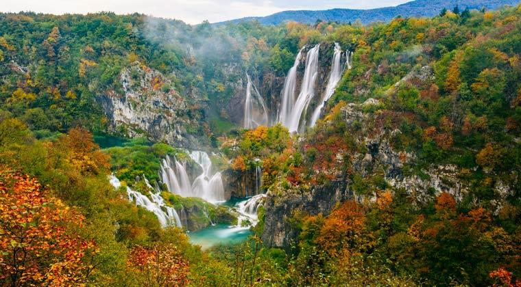 Wasserfälle im Plitvice Nationalpark in Kroatien