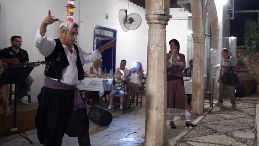 Gläsertanz auf Zypern
