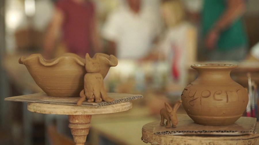 Selbstgetöpferte Keramik von Annica und Jo